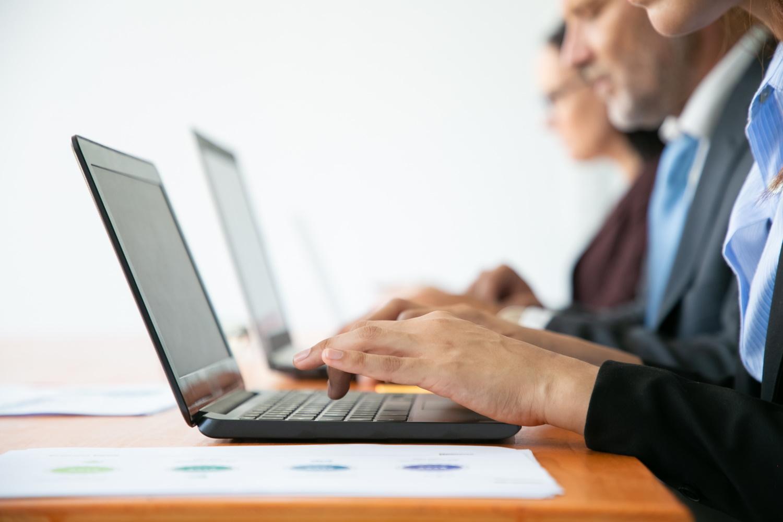 Elegancki, wydajny i wielofunkcyjny – Lenovo ThinkBook 14s Yoga